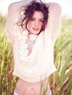 Anne Hathaway image.