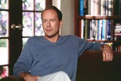 Latest photos of Bruce Willis, biography.