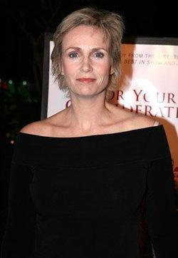 Jane Lynch image.