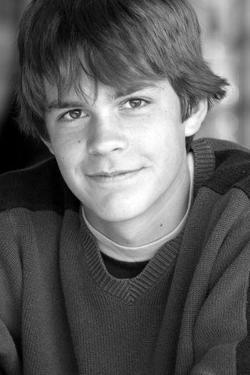 Johnny Simmons image.