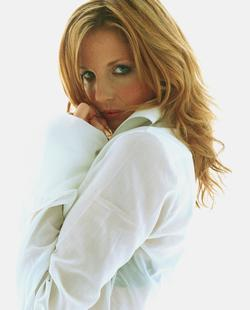 Kelly Reilly image.