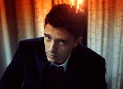 Topher Grace image.